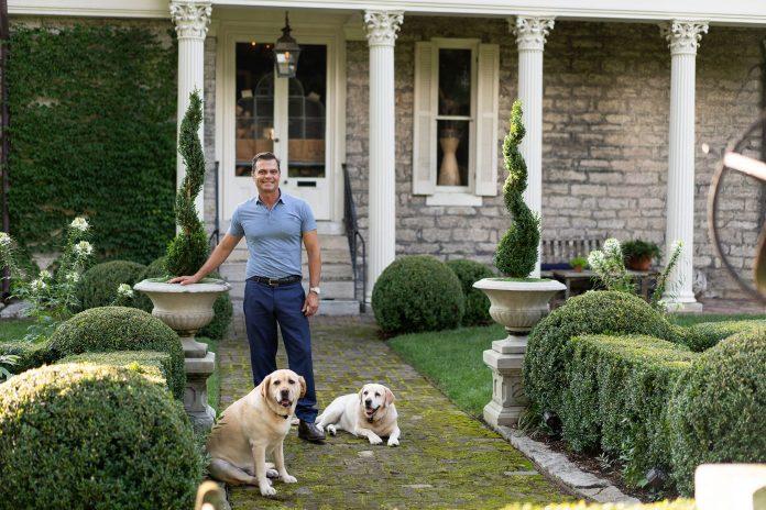 Master Gardener Jon Carloftis